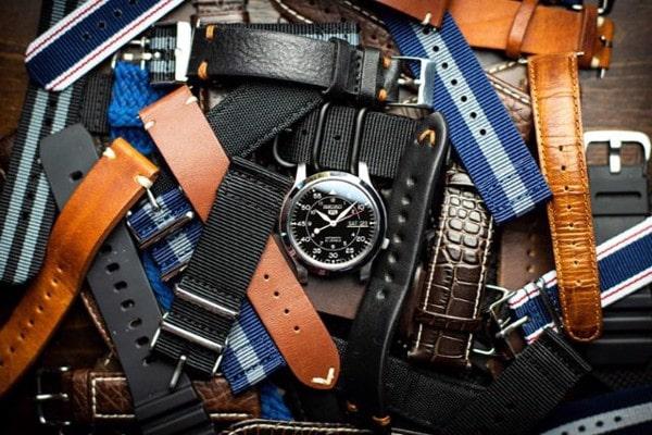 Cách chọn đồng hồ đeo tay cho Nam và Nữ 2020